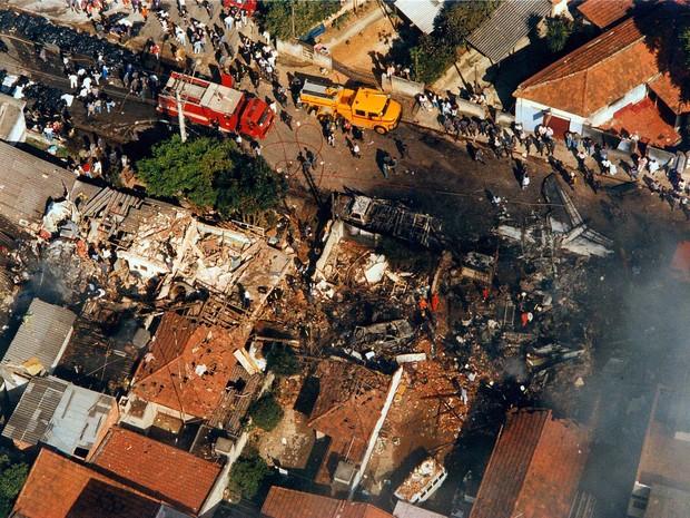 Acidente com Fokker 100 da TAM completa 20 anos nesta segunda (Foto: Silvio Ribeiro/Arquivo Estadão Conteúdo – 31/10/1996)
