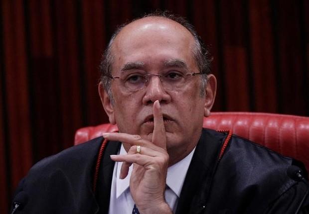 Presidente do TSE, ministro Gilmar Mendes, gesticula durante julgamento da chapa Dilma-Temer  (Foto: Ueslei Marcelino/Reuters)