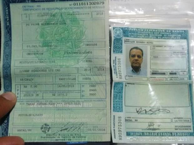 CNH de Henrique Eduardo Alves foi retida durante blitz da Lei Seca realizada em Natal (Foto: Divulgação)