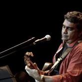 Alexandre Sousa canta Chico Buarque (Foto: Sergio Malcher / Divulgação)