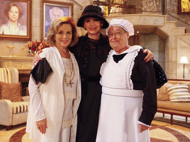 Julia Lemmertz grava participação ao lado de Irene Ravache e Marilu Bueno (Foto: Guerra dos Sexos/TV Globo)