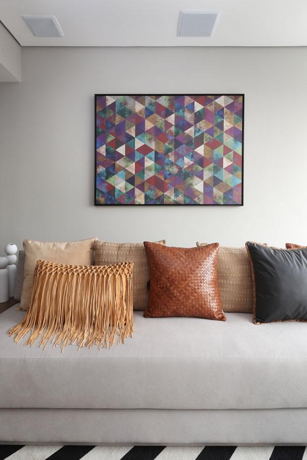 Preto e branco, apartamento de 55 m² tem décor sofisticado  (Foto: Divulgação)