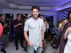 Ex-BBB Luiz Felipe curte a noite carioca: 'Ainda nem dormi'
