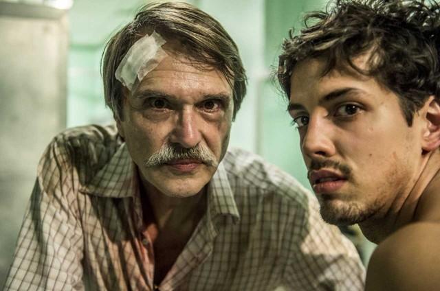 Fernando Eiras e Filipe de Carolis gravam 'Sob pressão'  (Foto: Globo / Mauricio Fidalgo)