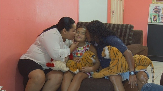 casal homoafetivo, adota, criança, processo de 6 anos, amapá tv (Foto: Amapá TV)