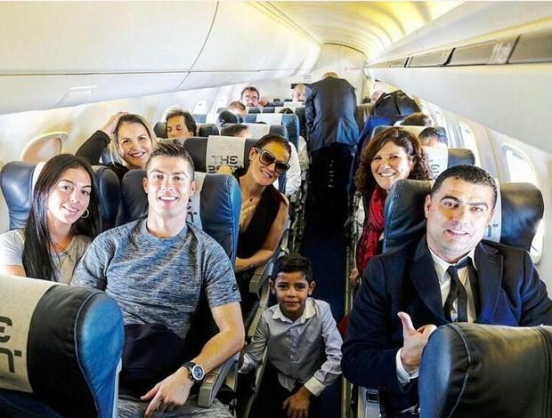 Familia de Cristiano Ronaldo avião