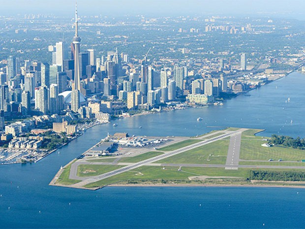 O Billy Bishop Toronto City Airport, aeroporto no Canadá (Foto: PrivateFly/Divulgação)