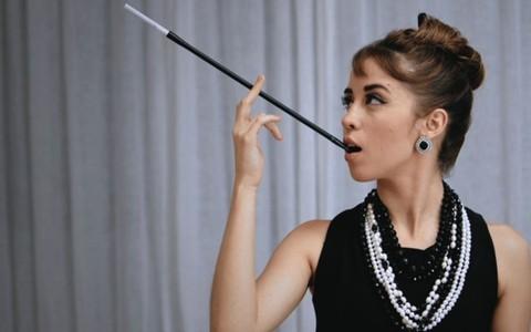 Maquiagem de 'Bonequinha de Luxo': Torquatto se inspira em Audrey Hepburn