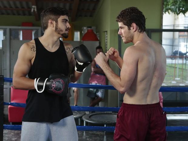 Caio Castro e Maurício Destri posam para o Gshow (Foto: Felipe Monteiro/Gshow)