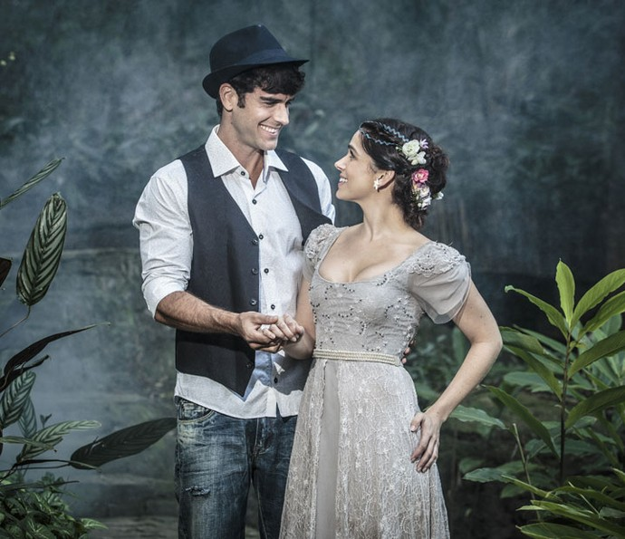 Marcos Pitombo e Sabrina Petraglia posam em ensaio inspirado nos contos de fada (Foto: Felipe Monteiro/Gshow)