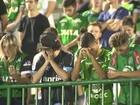 Homenagens à Chapecoense lotam estádios no Brasil e na Colômbia