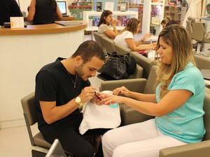 Glam Coiffeur, localizado no Américas Shopping, está com 10 oportunidades de emprego na área de beleza, entre elas 6 de manicure (Foto: Divulgação)