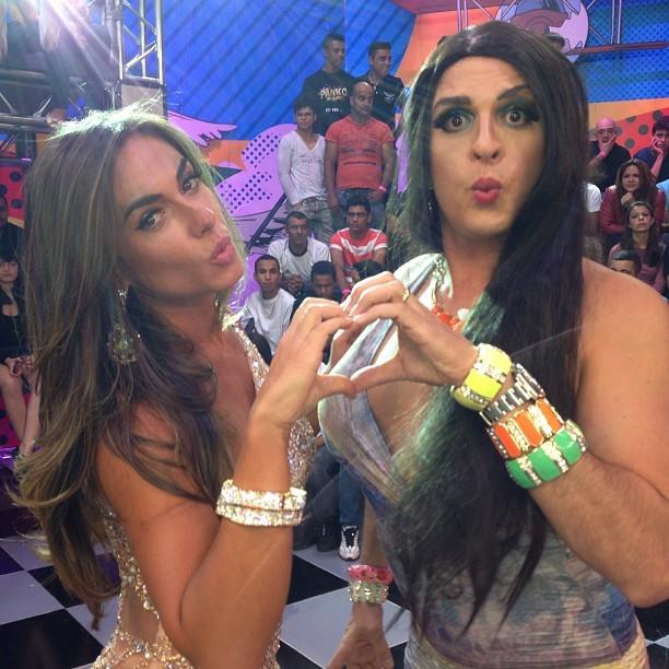 """Nicole Bahls e Ceará nos bastidores do programa 'Pânico"""" (Foto: Instagram/ Reprodução)"""