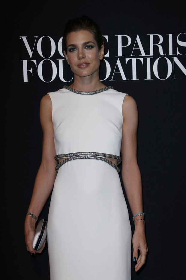 Charlotte Casiraghi em evento da Vogue francesa (Foto: AFP)