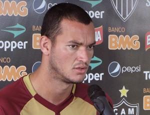 Réver, zagueiro do Atlético-MG (Foto: Leonardo Simonini / Globoesporte.com)