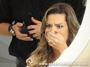 Sem querer, Bernardete conta segredo (Foto: Malhação / TV Globo)