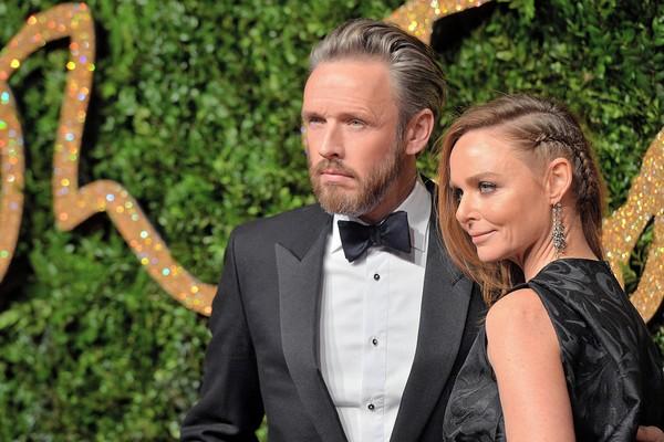 A estilista Stella McCartney e seu marido (Foto: Getty Images)