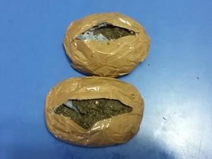 Ao todo, a Polícia Civil apreendeu 250 gramas de maconha (Foto: Polícia Civil/Cedida)