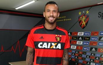 Após oito dias de treino, Leandro Pereira é anunciado pelo Sport