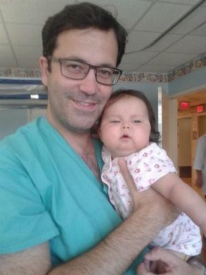 Sofia foi segurada pelo médico nos EUA (Foto: Campanha Ajude a Sofia/Divulgação)