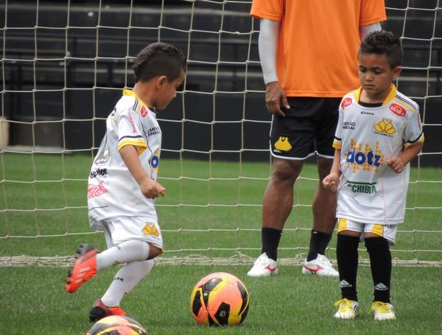 Crianças treino Criciúma (Foto: João Lucas Cardoso)