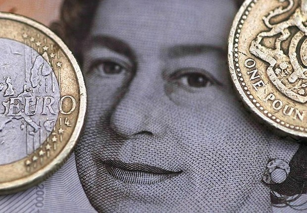 Libra e euro ; Brexit ;  (Foto: Phil Noble/Reuters)