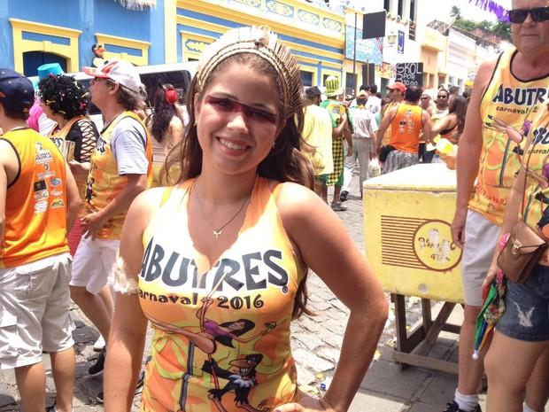 Gabriela Cisneiros, 20 anos, frequenta o bloco desde que estava na barriga da mãe (Foto: Lorena Andrade / G1)