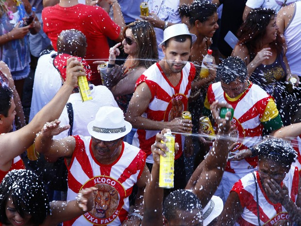 Bloco Deixa eu Falar desfilou em Porto Alegre (Foto: Ricardo Giusti/PMPA)
