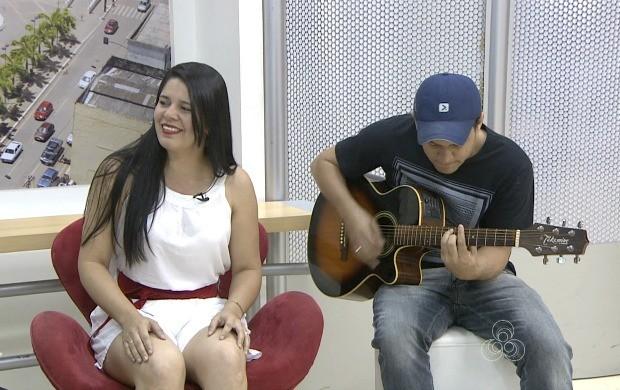 Yvana Pacífico e irmão Igor Pacífico Interpretam canções clássicas da MPB (Foto: Acre TV)