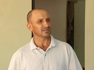 Servente de pedreiro diz que vai pagar as vítimas de assalto (Foto: Reprodução / TV Tem)