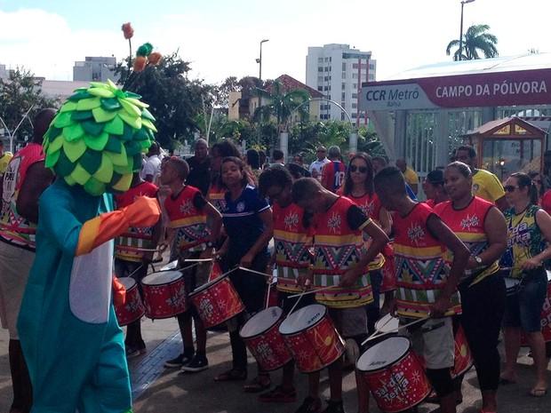 Público chega à Arena Fonte Nova  (Foto: Alan Tiago Alves/G1)