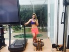 Prestes a voltar à TV, Mirella Santos treina e mostra barriga chapada