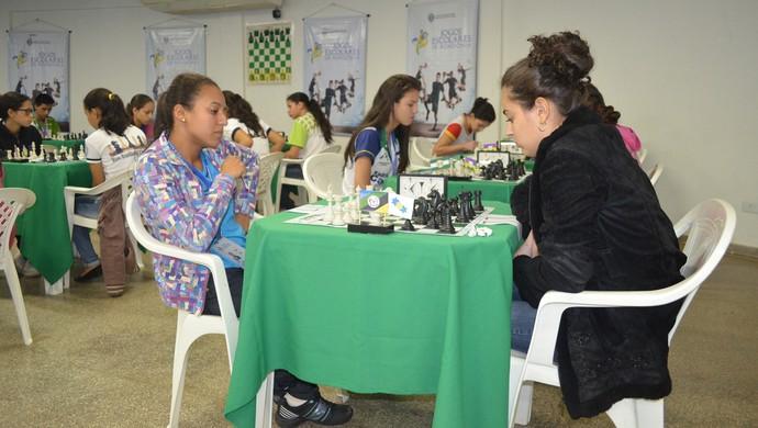 Equipes de todo o estado buscam título no xadrer em etapa do Joer em Ji-Paraná (Foto: Roger Henrique)