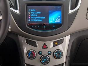MyLink no Chevrolet Tracker (Foto: Divulgação)