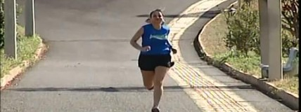 Crianças e adolescentes mostram preparativos para estreia na corrida Uberaba 10km