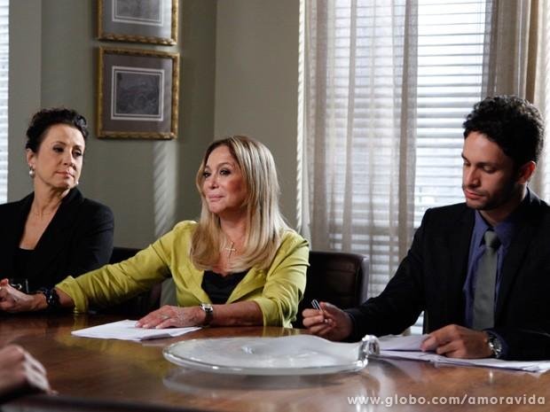 Depois do aviso de Rafael, Pilar e Lídia se sentem triunfantes! (Foto: Amor à Vida / TV Globo)