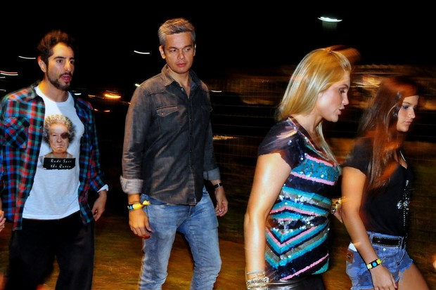 Flávia Alessandra, Otaviano Costa, Giulia e Marcos Mion (Foto: Roberto Teixeira / EGO)