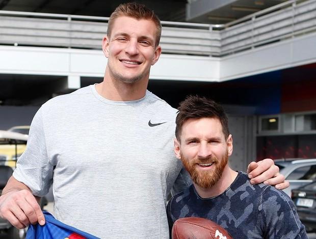 BLOG: Astro dos campeões Patriots visita treino do Barcelona e posa com craques