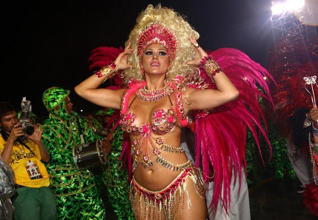 Livia Andrade no carnaval em São Paulo (Foto: Iwi Onodera/EGO)
