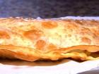 Pastelaria faz pastel com até 20 ingredientes no recheio, em Goiânia