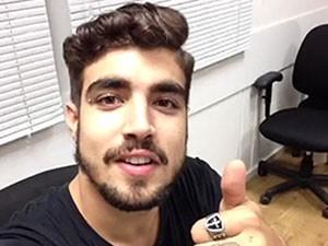 O interprete de Grego falou do piercing e das tatuagens do persongem (Foto: Arquivo Pessoal)
