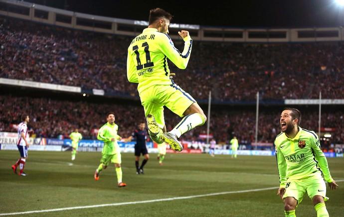 Neymar comemora gol do Barcelona contra o Atlético de MAdrid (Foto: Agência AP )