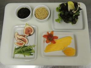 Ingredientes para a salada vegana (Foto: Rafaella Fraga/G1)
