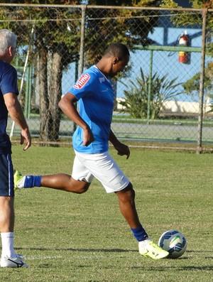 Fabrício, lateral do Cruzeiro (Foto: Marco Antônio Astoni)