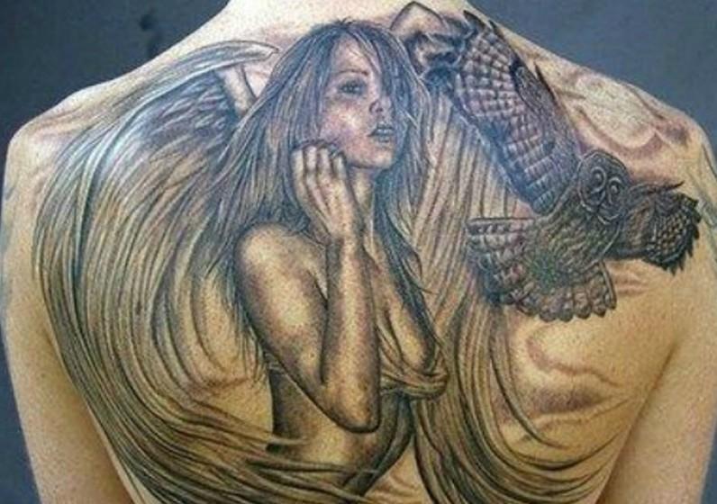 Conseguiu reconhecer Mariah Carey nesta tattoo? (Foto: Reddit)
