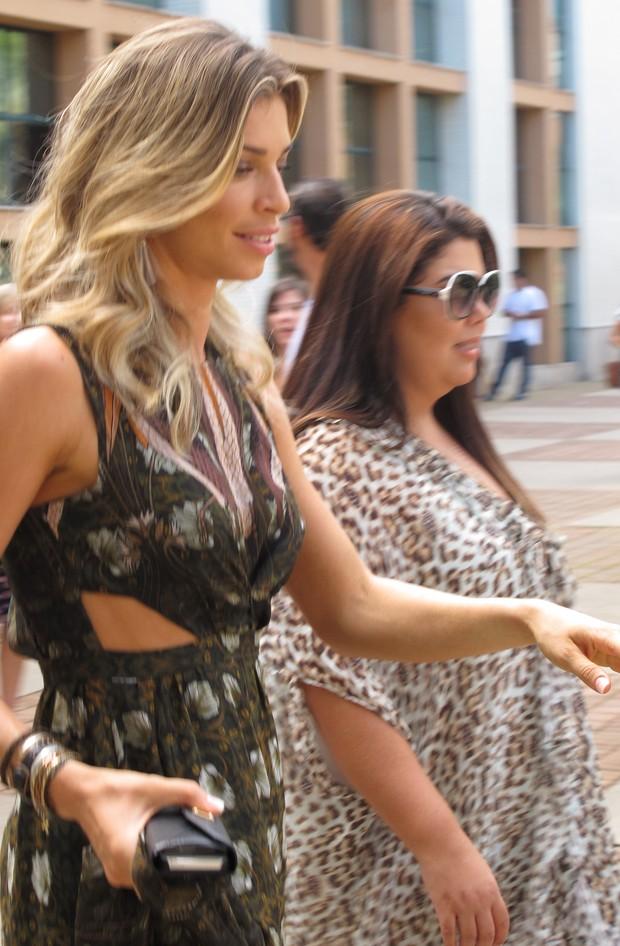 Grazi Massafera e Fabiana Karla gravam em shopping do Rio (Foto: EGO)