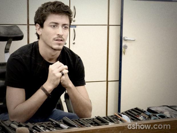Jesuita Barbosa será Alain em 'O Rebu' (Foto: O Rebu / TV Globo)
