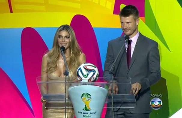 Fernanda Lima apresenta a cerimônia com o marido, Rodrigo Hilbert (Foto: Reprodução)