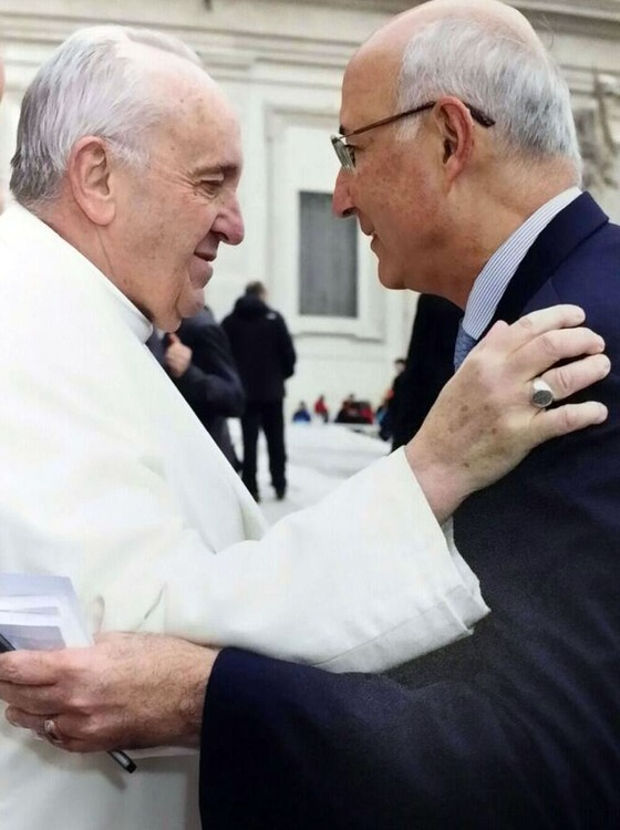 O presidente do Tribunal Superior  do Trabalho Ives Gandra Filho durante encontro com o Papa Francisco (Foto:  Reprodução)