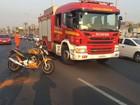Batida de carro e moto fecha 2 das 3 faixas da EPTG e cria lentidão de 5 km